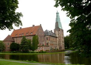 Raesfeld-Schloss-kompr