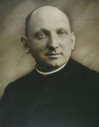 Oberkr-Pfarrer Schmitz